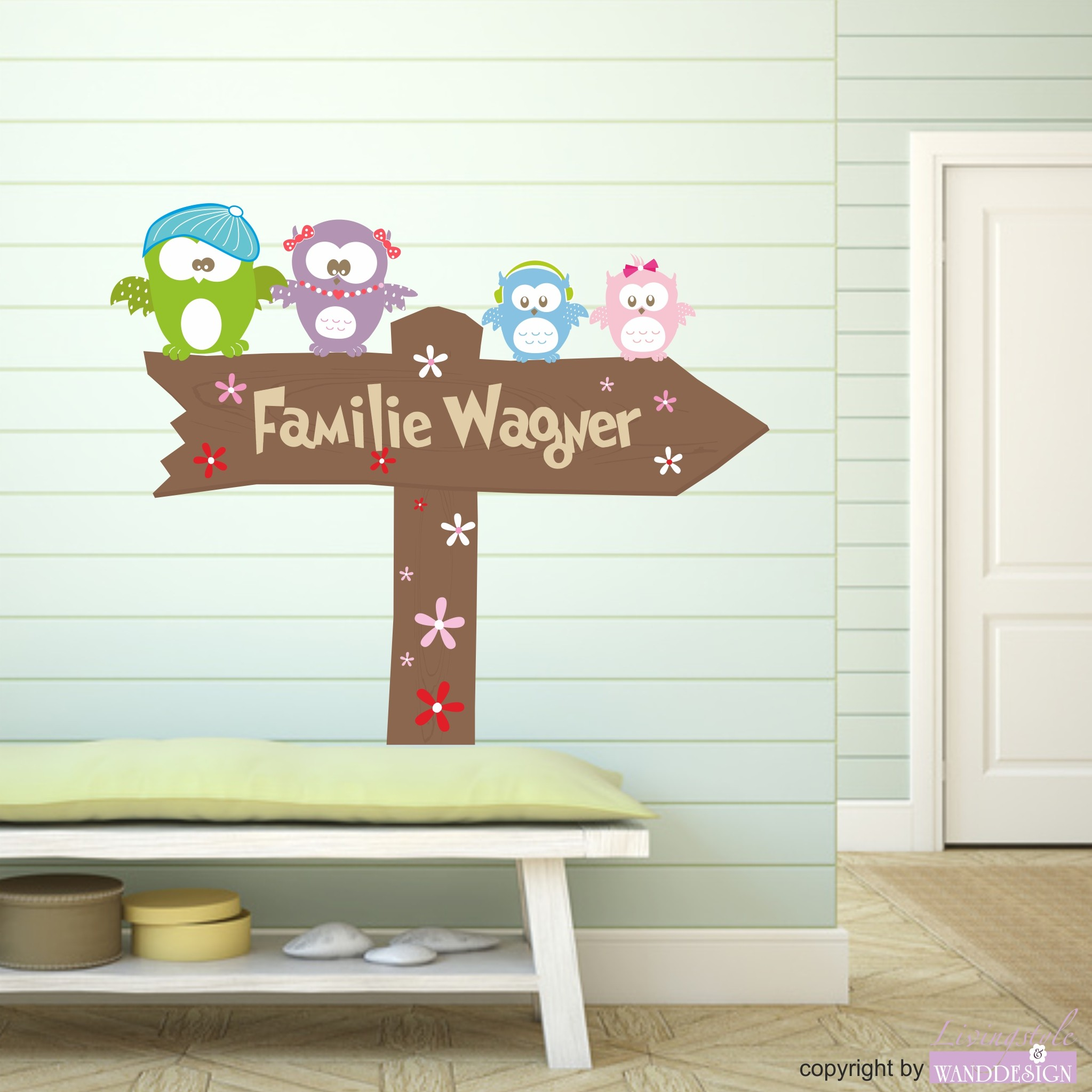 wandtattoo eulenfamily schild mit name eule co wandtattoos livingstyle wanddesign. Black Bedroom Furniture Sets. Home Design Ideas