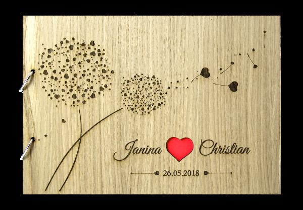 Rustikales Gästebuch aus Holz zur Hochzeit personalisiert Herzpusteblume