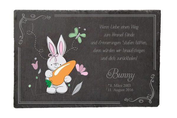 Gedenktafel fürs Tier Hase mit Karotte