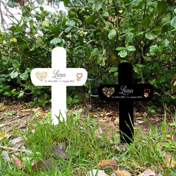 Grabkreuz fürs Tier mit Herz und Pfoten