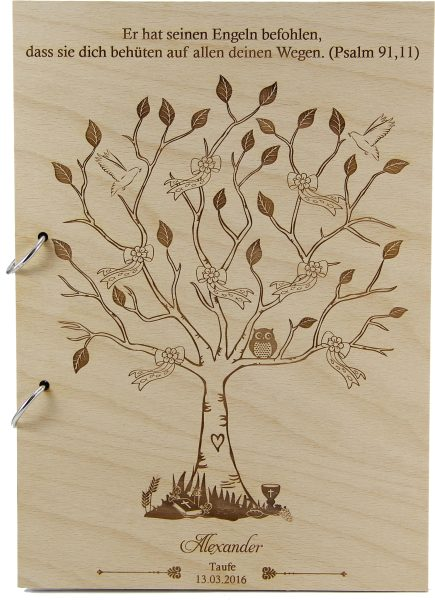 Rustikales Gästebuch aus Holz zur Taufe Motiv Baum Junge