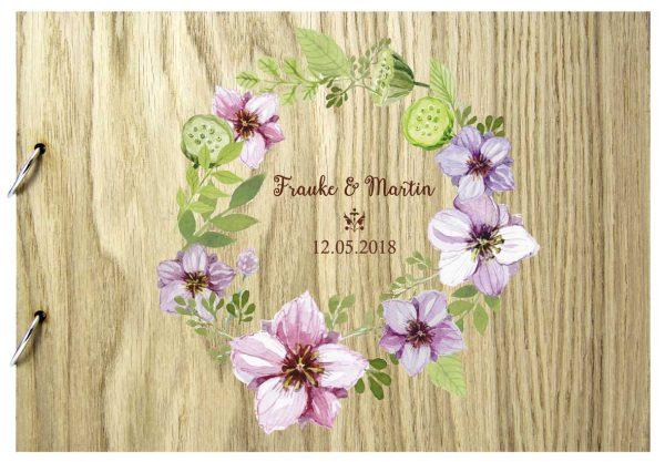 Rustikales Gästebuch aus Holz zur Hochzeit personalisiert Kranz bunt