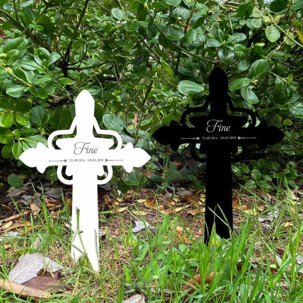 Grabkreuz mit Stern fürs Tier mit persönlichen Daten